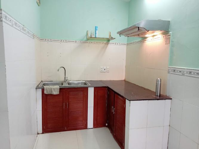Phòng bếp nhà phố Gò Vấp Nhà phố Gò Vấp nội thất cơ bản, khu dân cư an ninh yên tĩnh.