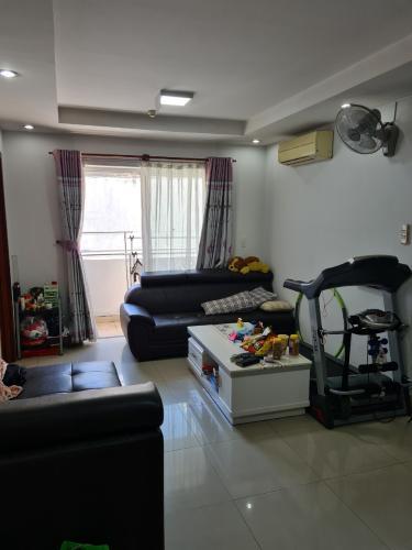 Căn hộ chung cư Nguyễn Phúc Nguyên đầy đủ nội thất, ban công rộng rãi.