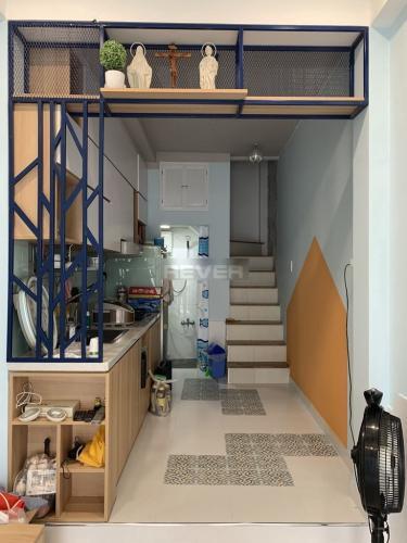 Phòng bếp nhà phố Trần Quang Khải, Quận 1 Nhà phố quận 1 hướng Tây, nội thất mới, thiết kế hiện đại.
