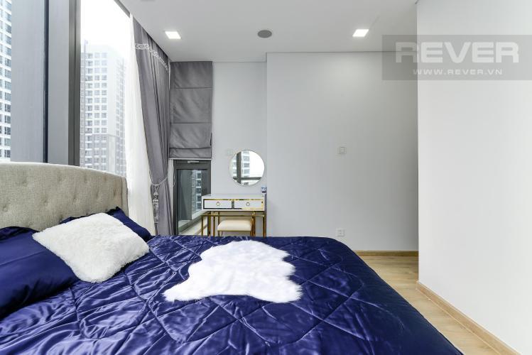 98015180de8338dd6192 Cho thuê căn hộ Vinhomes Central Park 2PN, tháp Landmark 81, đầy đủ nội thất, hướng Đông Nam, view hồ bơi