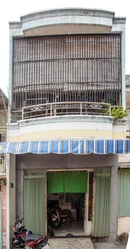 Nhà phố hướng Đông Nam, hẻm bê tông thông thoáng, đầy đủ nội thất.