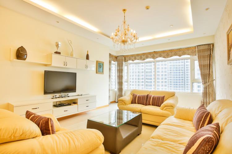 Phòng khách có tầm nhìn hướng Đông Căn hộ 3 phòng ngủ tầng cao Ruby 1 Saigon Pearl