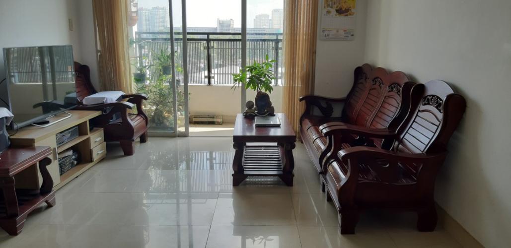 Căn hộ chung cư Sao Mai tầng trung, view thành phố.