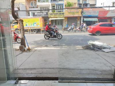 Bán nhà phố 2 tầng, 2 phòng ngủ, đường hẻm Nguyễn Tất Thành, diện tích đất 68.9m2, diện tích sử dụng 114.4m2, sổ hồng đầy đủ