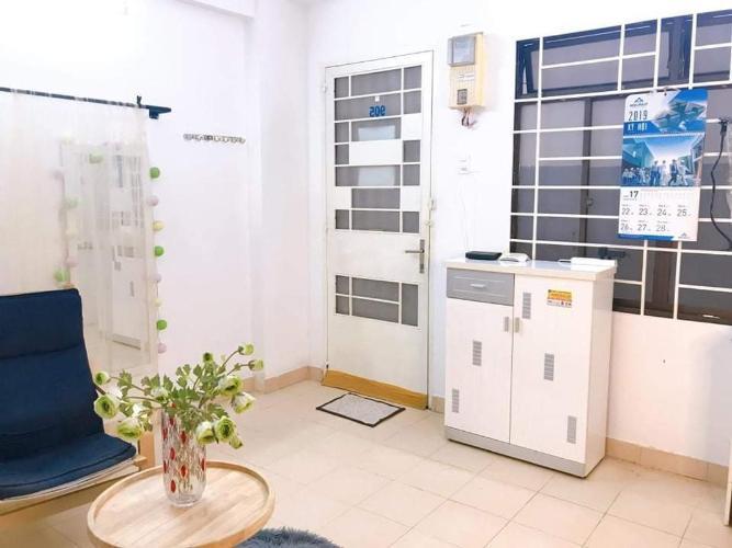 Căn hộ chung cư B5 đầy đủ nội thất, view thành phố và sông.