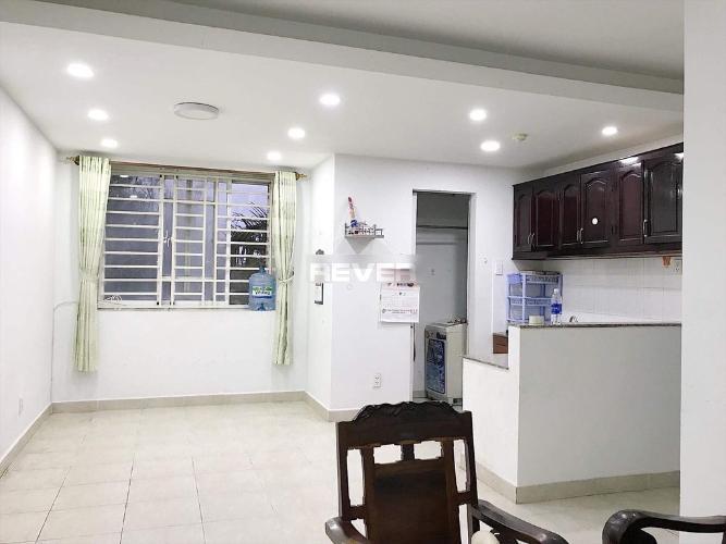Căn hộ chung cư Phú Lợi 1 ban công hướng Đông, không nội thất.