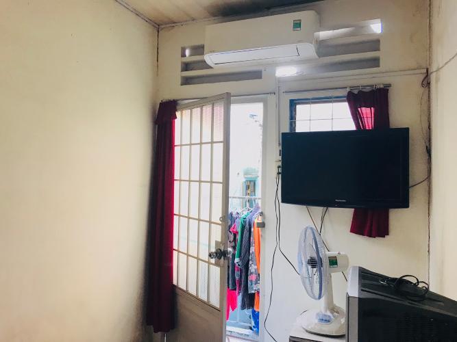 Phòng ngủ nhà phố Quận 1  Nhà phố đường hẻm  Trần Quang Khải, sổ hồng đầy đủ, diện tích đất 28.6m2.