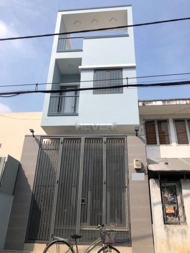 Nhà phố hướng Đông 1 trệt 1 lầu diện tích sử dụng 204m2, đầy đủ nội thất.