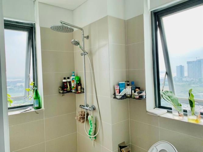 Phòng tắm căn hộ D-Vela Căn hộ tầng 7 D-Vela view thành phố, ban công hướng Đông.