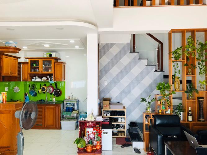 Phòng bếp nhà Hoàng Hoa Thám, Bình Thạnh Nhà Hoàng Hoa Thám Bình Thạnh, nội thất gỗ, sân thượng thoáng mát.