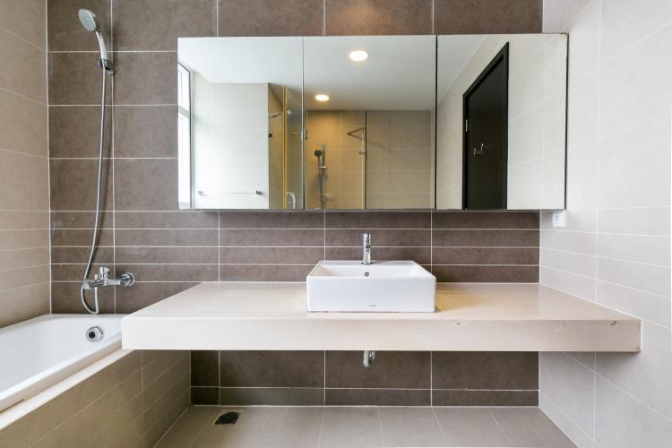 Phòng tắm Sunrise City, Quận 7 Căn hộ tầng cao Sunrise City đầy đủ nội thất, view thành phố.