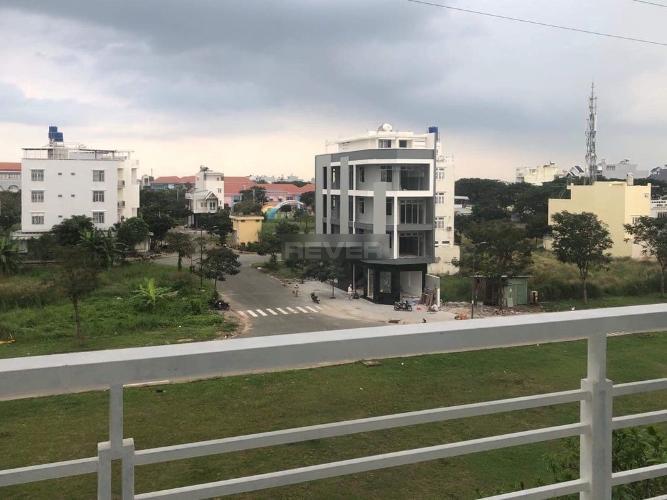 NHà phố Huyện Bình Chánh Nhà phố KDC Phòng Phú 4 diện tích 100m2, mặt tiền đường rộng rãi.