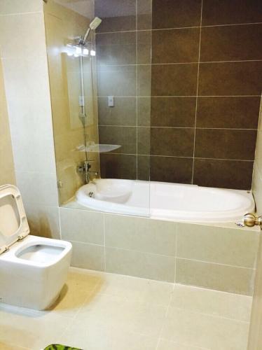 Phòng tắm căn hộ Lexington Residence, Quận 2 Căn hộ Lexington Residence hướng Tây Bắc thoáng mát, đầy đủ nội thất.