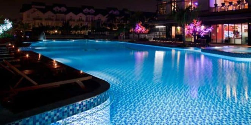 Hồ bơi Saigon Pearl Quận Bình Thạnh Căn hộ Saigon Pearl nội thất cơ bản, view thành phố.