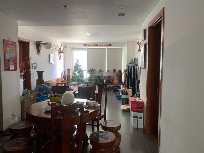 Căn hộ The Manor nội thất cơ bản, view nội khu thoáng mát.