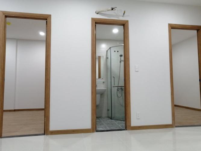 Căn hộ Bcons Suối Tiên tầng trung, nội thất cơ bản.