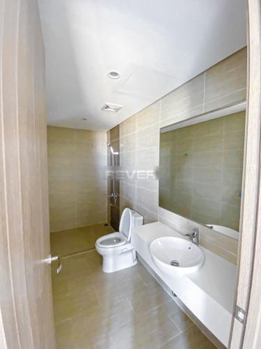 Toilet Vinhomes Grand Park Quận 9 Căn hộ Vinhomes Grand Park tầng trung, nội thất hiện đại.