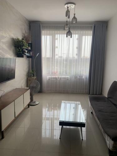 Căn hộ Saigon Gateway đầy đủ nội thất, ban công hướng Đông.