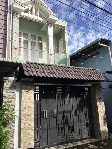 Nhà phố quận 9 Nhà mặt tiền hẻm Nguyễn Văn Tăng nội thất cơ bản, hẻm xe hơi.