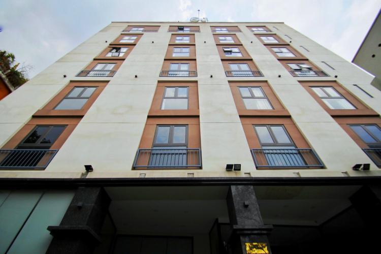 Tòa nhà kinh doanh kết cấu 6 tầng và 1 hầm, hướng Tây Nam.
