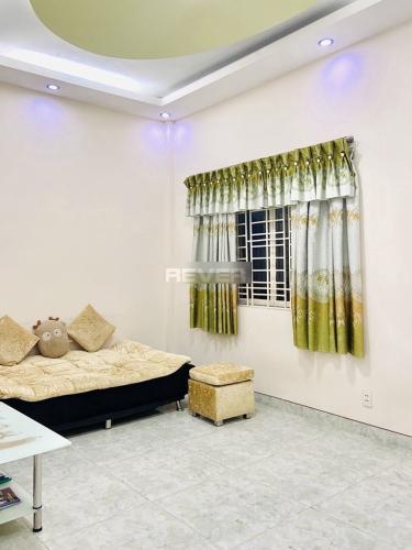 Căn hộ Đồng Diều tầng 4 cửa hướng Đông, nội thất cơ bản.