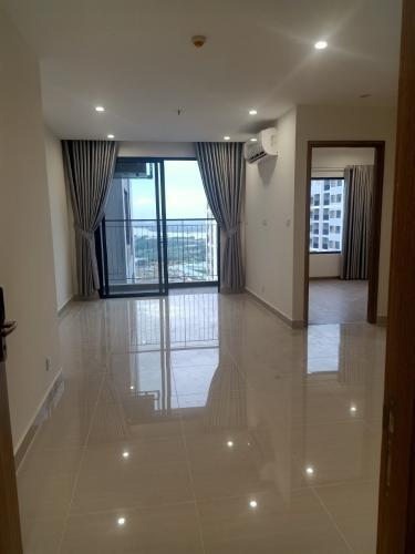Căn hộ Vinhomes Grand Park tầng 33 có 1 phòng ngủ, nội thất cơ bản.