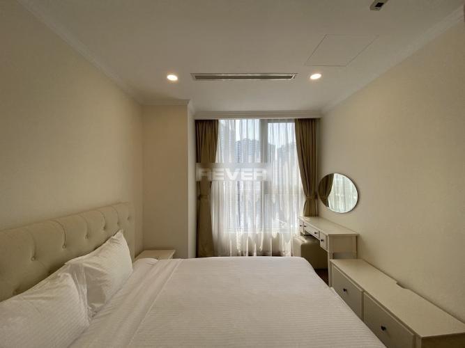 Phòng ngủ , Căn hộ Vinhomes Central Park , Quận Bình Thạnh Căn hộ tầng 27 Vinhomes Central Park gồm 3 phòng ngủ, đầy đủ nội thất.