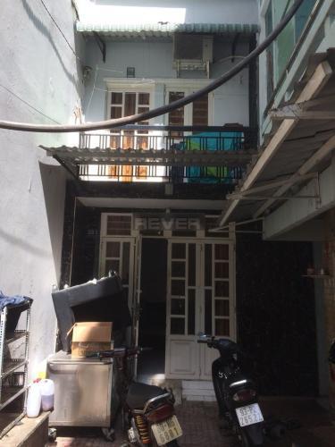 Nhà phố kết cấu 1 trệt 1 lầu kiên cố, cạnh Chung cư 35 Trần Triệu Luật.