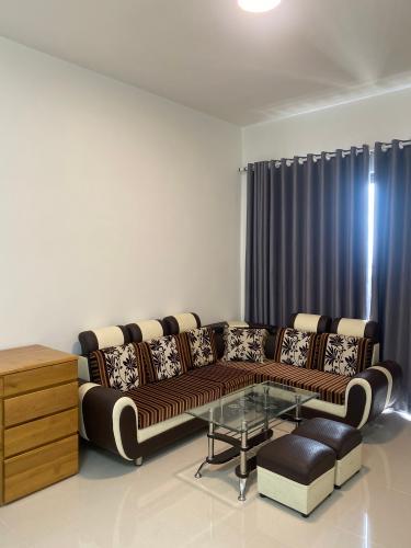 phòng khách căn hộ 3 phòng ngủ  the sun avenue Căn hộ The Sun Avenue tầng cao đón gió, đầy đủ nội thất.