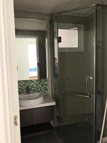 Phòng tắm Dragon Hill 2, Nhà Bè Căn hộ Dragon Hill 2 view thoáng mát, nội thất đầy đủ.