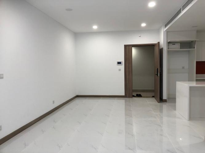 Căn hộ Sunwah Pearl view thoáng mát, nội thất cơ bản.