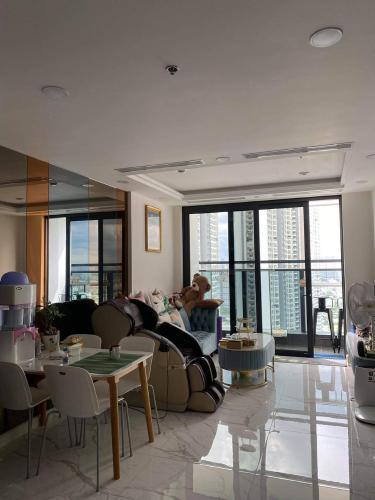Căn hộ tầng 22 Sunshine City Sài Gòn ban công Tây Bắc