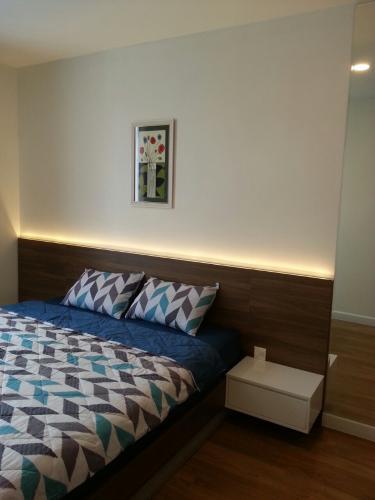 Phòng ngủ Grand Riverside, Quận 4 Căn hộ Grand Riverside view thành phố, nội thất đầy đủ.