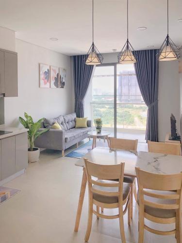Phòng khách căn hộ River Panorama, Quận 7 Căn hộ River Panorama ban công hướng Đông Nam, view thoáng mát.