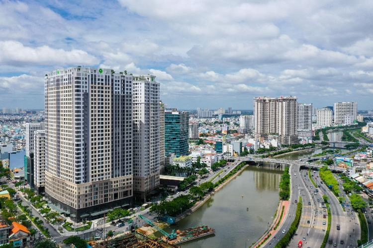 Saigon Royal Quận 4 Căn hộ Saigon Royal tầng cao, ban công Tây Bắc view sông.