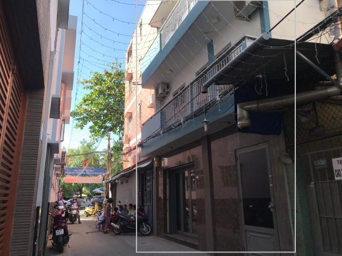 Nhà phố hướng Đông Nam gần mặt tiền đường, sổ hồng riêng.