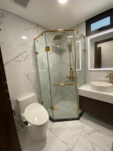 Phòng tắm Sunshine City Sài Gòn, Quận 7 Căn hộ Sunshine City Sài Gòn đầy đủ nội thất, hướng Đông Nam.