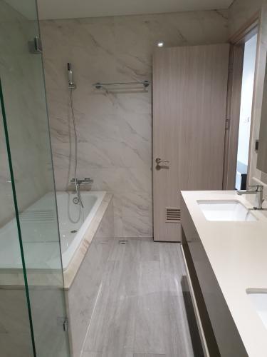 Phòng tắm căn hộ Phú Mỹ Hưng Midtown, Quận 7 Căn hộ Phú Mỹ Hưng Midtown view thành phố thoáng mát, nội thất cơ bản.