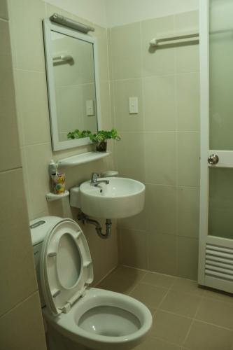 Phòng tắm EHome 3, Bình Tân Căn hộ EHome 3 tầng trung, đầy đủ nội thất, 2 phòng ngủ.