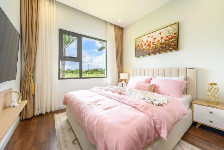 Phòng ngủ căn hộ Lovera Vista, Huyện Bình Chánh Căn hộ Lovera Vista view thoáng mát, cửa hướng Tây Bắc.