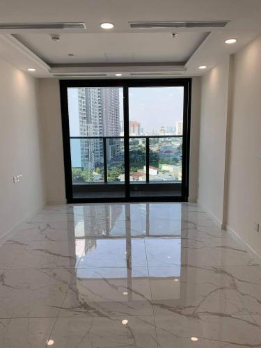 phòng khách căn hộ Sunshine City Saigon, Quận 7 Căn hộ Sunshine City Saigon có 2 phòng ngủ, bàn giao nội thất cơ bản.