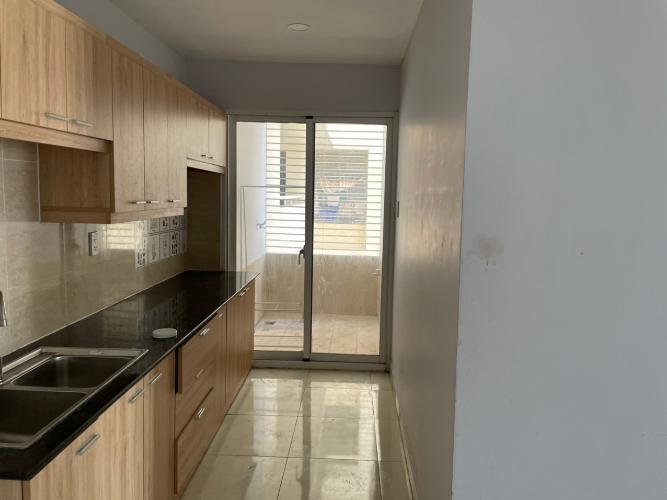 Phòng bếp căn hộ Căn hộ chung cư Khuông Việt ban công Đông Nam, view đón gió mát mẻ.