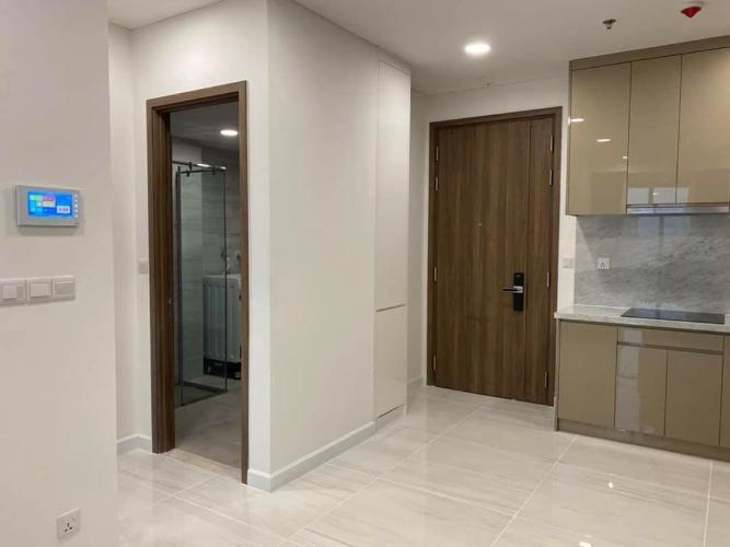 Cho thuê căn hộ Kingdom 101 tầng trung, diện tích 65m2 - 2 phòng ngủ