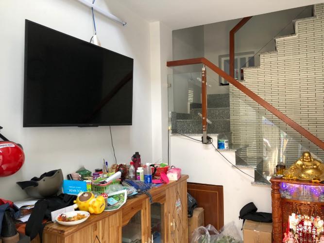 Phòng khách nhà phố Bình Thạnh Nhà phố hướng cửa Tây Bắc diện tích sử dụng 124.7m2, hẻm xe máy.