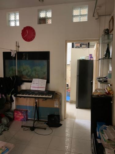 phòng ngủ nhà phố quận 4 Nhà hẻm 2.5m Quận 4, nội thất cơ bản, cách Nguyễn Tất Thành 500m.