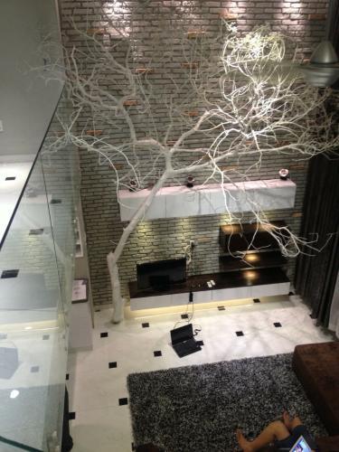 Nội thất Phú Hoàng Anh Căn hộ Phú Hoàng Anh tầng cao, đầy đủ nội thất, view nội khu.