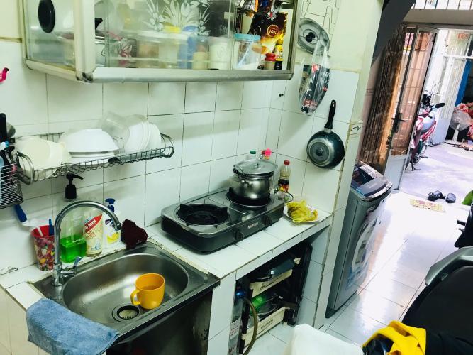 Bếp nhà phố Quận 1  Nhà phố đường hẻm  Trần Quang Khải, sổ hồng đầy đủ, diện tích đất 28.6m2.