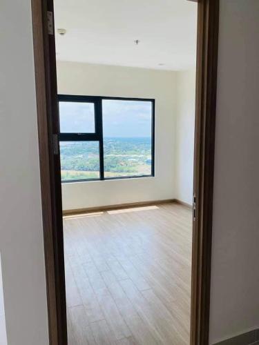 Phòng ngủ Vinhomes Grand Park Căn hộ Vinhomes Grand Park tầng cao, cùng với nội thất cơ bản.