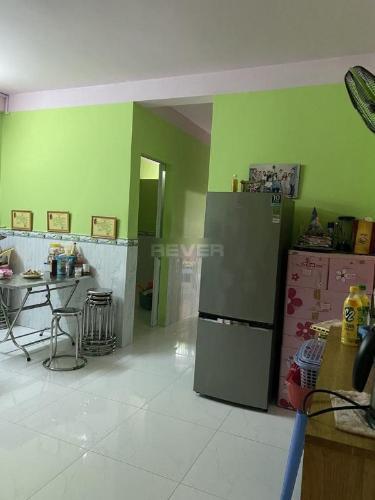 Căn hộ Trần Văn Kiểu tầng 4 nội thất cơ bản, tiện ích đầy đủ.
