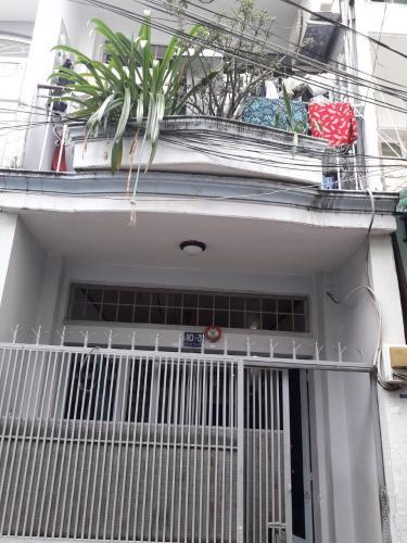 Nhà phố diện tích 33m2 cách ngã 3 Trường Chinh và Hoàng Hoa Thám 100m.